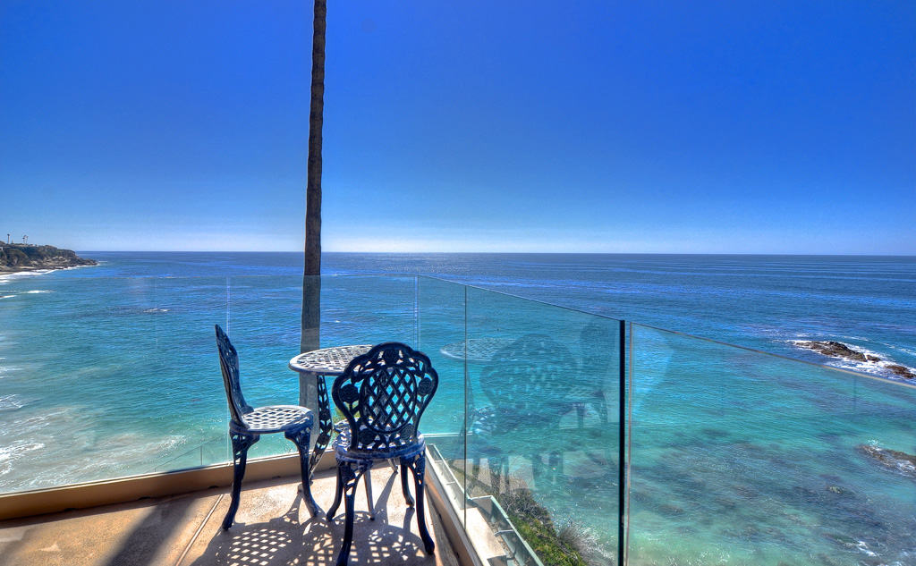 Amazing Oceanfront View — Circle Dr., Laguna Beach, CA